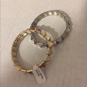 NWT Gold Pyramid Stud Bracelet
